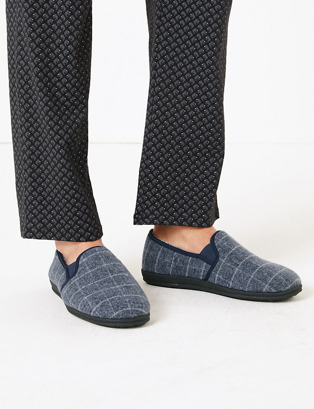 Checked Slippers