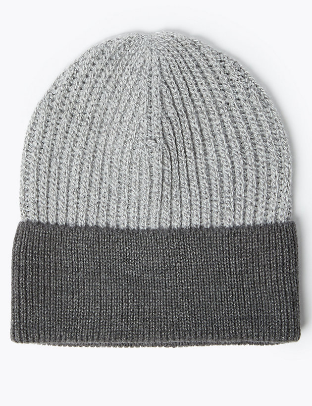 Knitted Beanie Hat with Thermowarmth