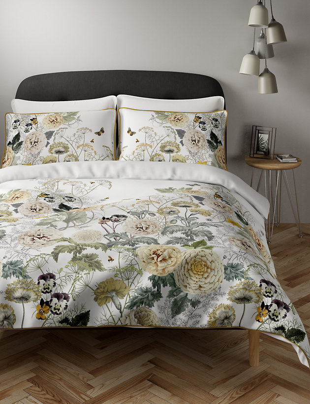 Pure Cotton Floral Piped Edge Bedding Set